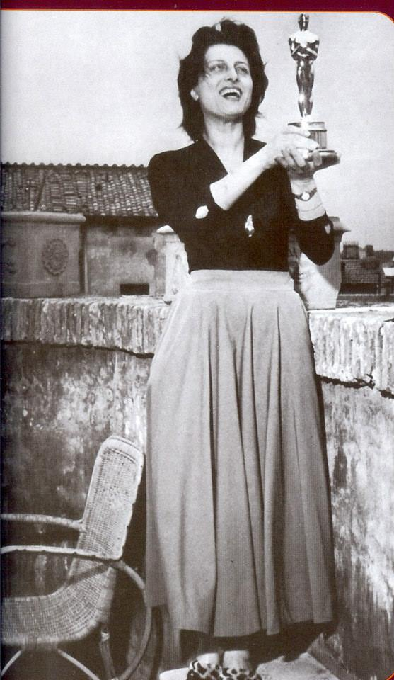Anna Magnani con l'Oscar per blog