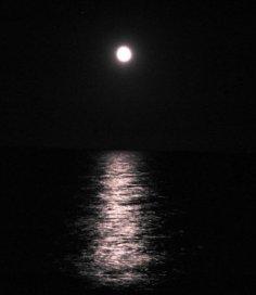 mare-nero-e-luna