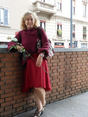 Paola Ciccioli dopo il funerale di Franca Rame (foto di Sandro Bizzarri)