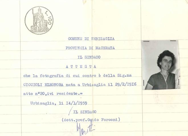 L'autentica di una foto con la firma del sindaco Guido Forconi