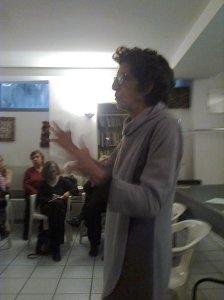 Liliana Moro della Università delle Donne e organizzatrice dell'evento (foto scattata da Angela con il cellulare)