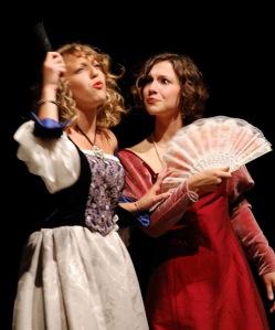 Un altro momento dello spettacolo andato in scena al teatro Leonardo da Vinci di Milano. Con l'autrice di questo post, Cecilia Nigro