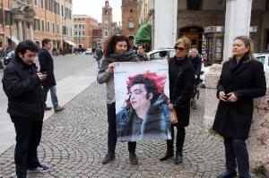 Patrizia Moretti in piazza Savonarola, a Ferrara, il 28 marzo 2013