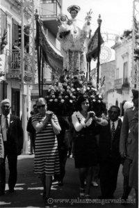 Rosalba, santo in processione