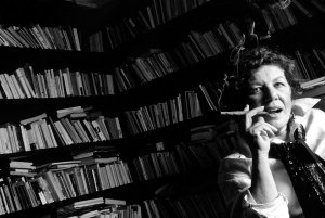 La scrittrice Silvana La Spina