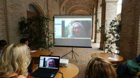 Ombretta e Paola in collegamento Skype