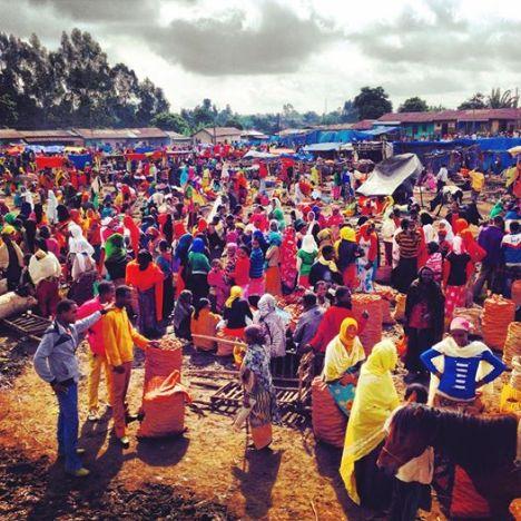 Il mercato di Kofele, Etiopia. Foto di Francesco Cianciotta per www.perigeo.org