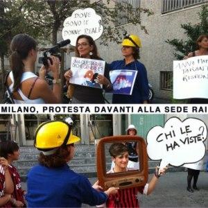 Donatella Martini intervistata durante un flash mob davanti alla sede Rai di Milano