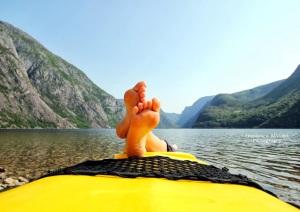 """""""Un'italiana in kayak tra i fiordi norvegesi"""", di Francesca Alviani, giovane abruzzese che vive a Bergen e lavora come fotografa d'interni"""