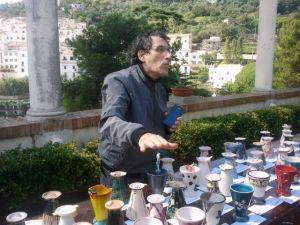 L'artista Sasaska al banchetto dei boccali da collezione