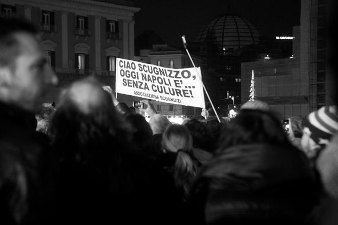 Funerali di Pino Daniele in piazza Plebiscito a Napoli (foto di Biagio Ippolito)