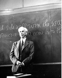 Bertrand_Russell_(c._April_1940)