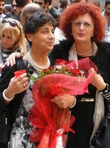 Amiche dottoresse. Rosa Di Paolo il giorno della sua laurea con Rosalba Griesi, anche lei (come ha raccontato sul nostro blog) laureata nel cuore della maturità