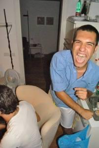 """Umberto Bartolommei nella sua ultima festa con gli amici in casa del padre Luca. Studente universitario con la passione del pallone, è stato il """"bomber"""" del Niguarda Calcio"""