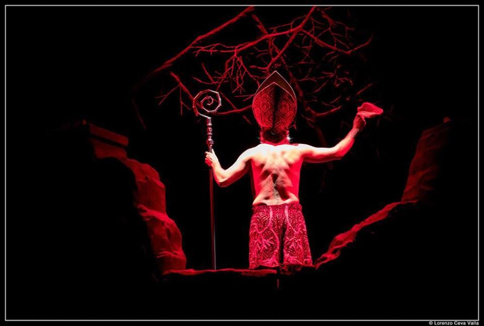 """Mimmo Borrelli in """"Sanghenapule"""" (foto Piccolo Teatro)"""